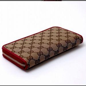 Handbags - Gucci wallet ❤️
